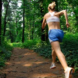 girl running to lose weight