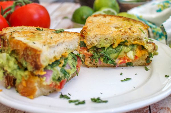 Guacamole-tomatoe-Grilled-Cheese